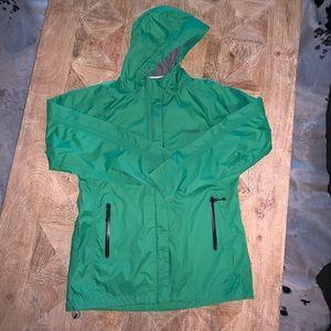 Vineyard Vines Bright Kelly Green Raincoat. Size:M